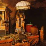 ペニダ島・神秘的な洞窟の寺院【ギリプトゥリ】でお祈り!